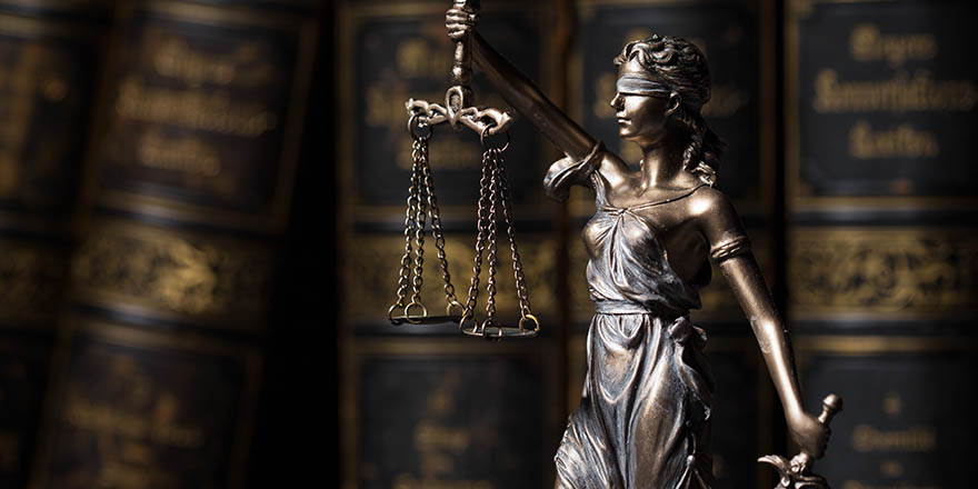 How Do Criminal Defense Attorneys Prepare For Trial Marein And